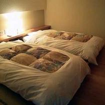 離れ風「光」寝室