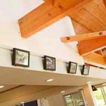 *テニスクラブKIKUYA/白壁と木の温もりのあふれるお洒落な空間です。