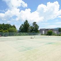 *テニスクラブKIKUYA/快適なテニスプレーを実現するオムニコートは全部で3面。