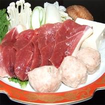 *鴨鍋/寒い季節も体の芯から温まる郷土料理。