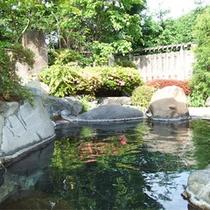 *庭園露天風呂一例/男女別1ヶ所ずつある露天風呂。季節の風を感じながら良質な温泉を堪能!