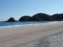 宿のすぐ目の前は、弓ヶ浜