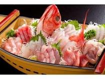 地魚の舟盛り 新鮮ですよ