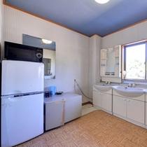 *2F共有スペース/冷蔵庫、電子レンジ、洗面スペース等、ご自由にご利用下さい。