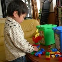 子供が遊べるように貸出する遊具(レゴ)
