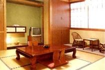 お部屋食の和室