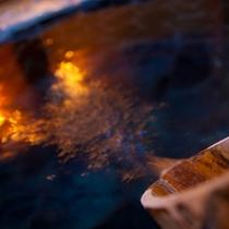 【トロトロの温泉!!】