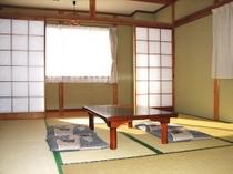 和室10畳-ゆっくりと山中湖と富士山を堪能出来ます。