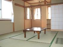 和室10畳(バス付)広々とした明るいお部屋です。