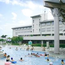 *【SPAプール】開放感満点!リゾートタイプの温泉プール。