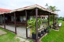 バラス小屋~屋根付屋外の休憩スペース~