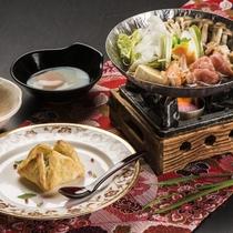 選べるメイン料理【梅】/東北地鶏の温玉すきやき&国産牛のパイ包み