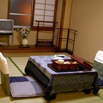 客室例<6畳>