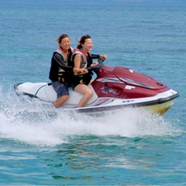 【マリンジェット】水上ドライブで気分爽快!