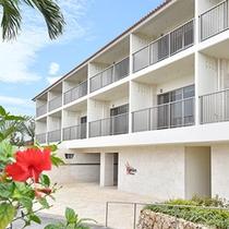 【ガーデンテラス外観】2015年6月にオープンした3階建てのホテル棟「ガーデンテラス」