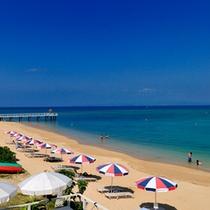 【ビーチ】赤瓦コテージを出ると目の前に広がるのはフサキビーチ