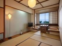 【鳩山クラシック】民芸調の暖かみある内装と照明を配したお部屋でごゆっくりとお過ごしください。