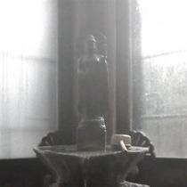 観音様から流れ出る源泉の泉質は弱アルカリ性、飲むと美肌や疲労回復効果が期待できます。