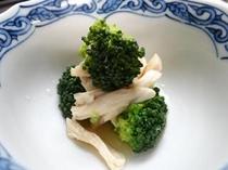 お夕食一例(ささみとブロッコリーの土佐酢和え)