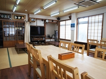 お食事はこちらの食堂でご用意しています。