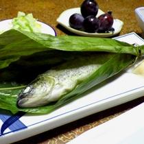 *【夕食一例】季節の楽しみ。地獲りの川魚