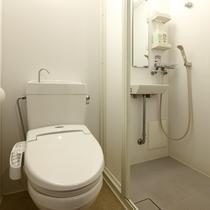 シングル禁煙のお部屋のトイレ&シャワールームの一例
