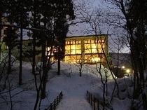 夕暮れの雪の中のヴァルトベルク