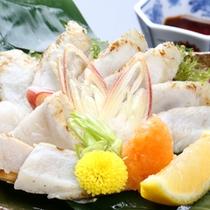 【ふぐのたたき】メニュー一例。新鮮な地元食材を活かしたお食事。