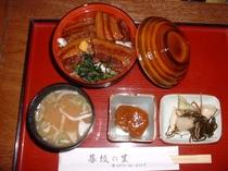 料理・豚丼