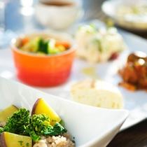 ■朝食IMAGE[有機野菜のパンキッシュ他2]