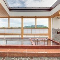 平成25年7月13日に新設した展望大浴場「満月の湯」