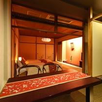和洋室【びわこなないろ◆あけぼの】お2人様用のベットと窓辺でお食事もお召し上がりいただける空間です。