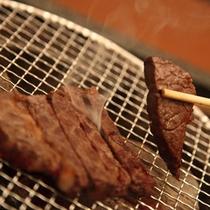 炭火焼 焼きたてのお肉料理♪