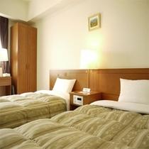◆客室【ツイン】◆お子様連れでも安心!添い寝できる幅110cmベットを導入