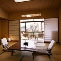 日本庭園を臨む【2階和室】