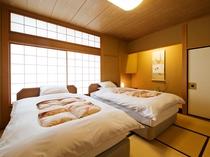 【新館鳳凰・ベッド付き特別室 寝室一例】