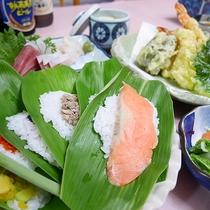 *【食事/夕食一例】郷土料理である笹寿司はお客様からも好評の一品です。