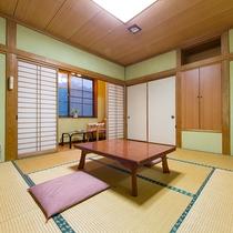 *【部屋/和室一例】ゆっくりとくつろげる和室で素敵なひと時をお過ごしください。