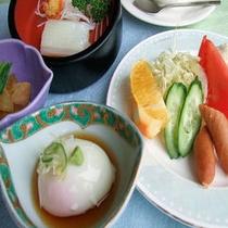 朝食(温泉卵)大