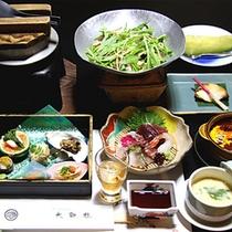 *お料理(一例)新鮮な海の幸や山の幸をふんだんに使った、美味の膳をご堪能ください。