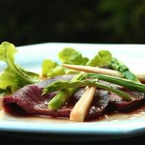 *お料理一例。ローストビーフ。高級感溢れる味わいをご体験ください♪