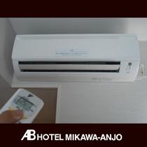 [個別空調エアコン] お好きな温度調整が可能です。