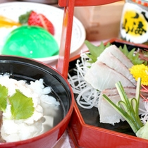 八海山と桜鯛料理