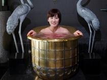 開運の湯「黄金風呂」