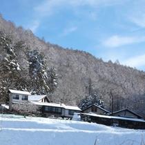 *【外観(冬)】大自然を感じながら、お楽しみいただけます。