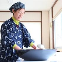 ◆蕎麦打ち職人:深澤さん