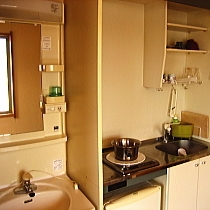 ・ミニキッチンと洗面台(各部屋付)