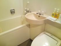 洋室はすべてユニットバス・トイレ付きです。