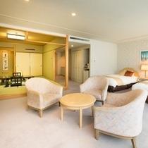 【和洋室】和室8畳+ツインベッドルームの74平米の広々としたお部屋。