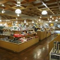登別や北海道のお土産がいっぱいの売店